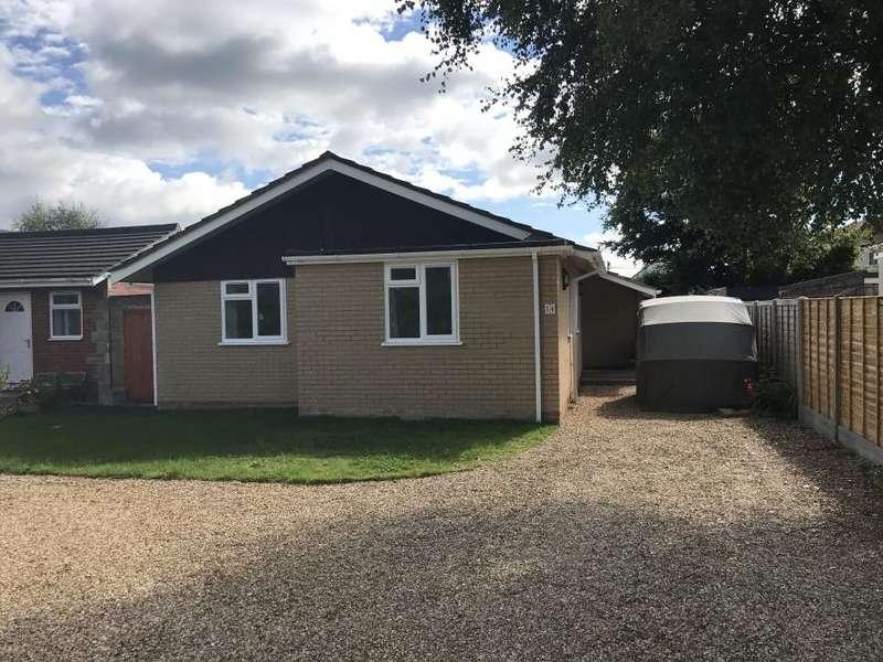 3 Bedrooms Detached Bungalow for sale in Colehill, Wimborne