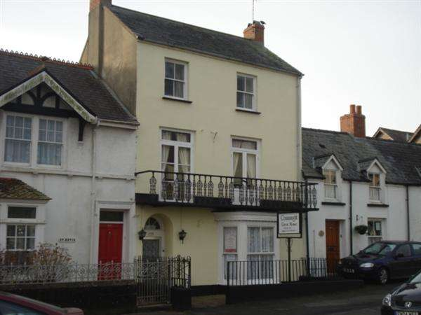 7 Bedrooms Commercial Property for sale in Connaught Guest House 123 Main Street