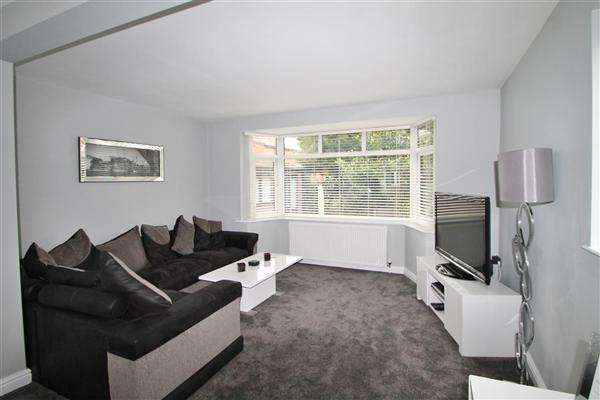 4 Bedrooms Detached House for sale in Greenacre Lane, Worsley