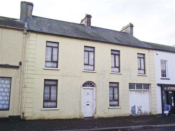 5 Bedrooms Terraced House for sale in Main Street, Derrygonnelly