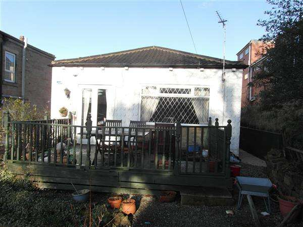 2 Bedrooms Bungalow for sale in Jeremy Lane, Heckmondwike