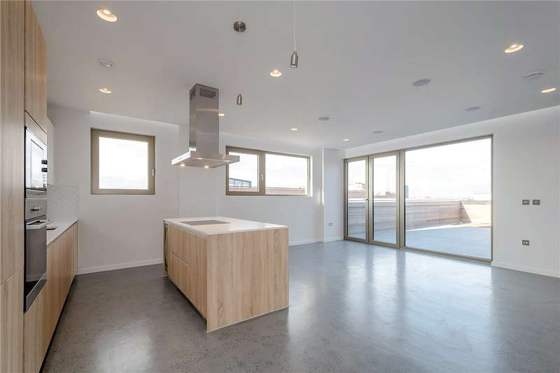 3 Bedrooms Flat for sale in Sidworth Street, London, E8