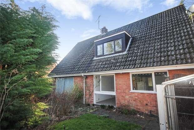 4 Bedrooms Detached House for sale in High Green, Norwich, Norfolk
