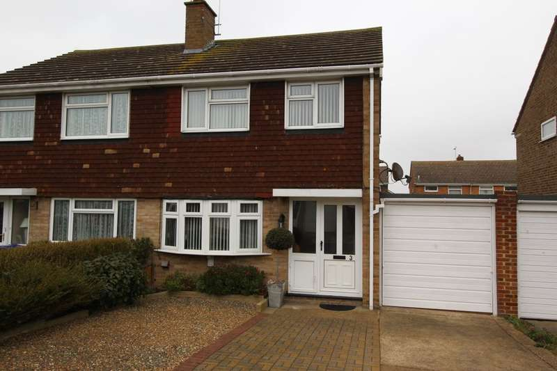 3 Bedrooms Semi Detached House for sale in Birch Close, Broadstairs, CT10