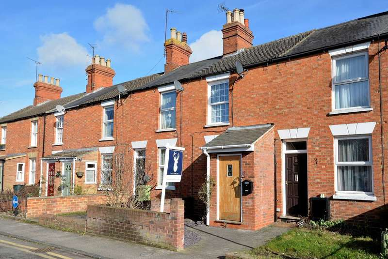 2 Bedrooms Terraced House for sale in KingStreet, Stony Stratford