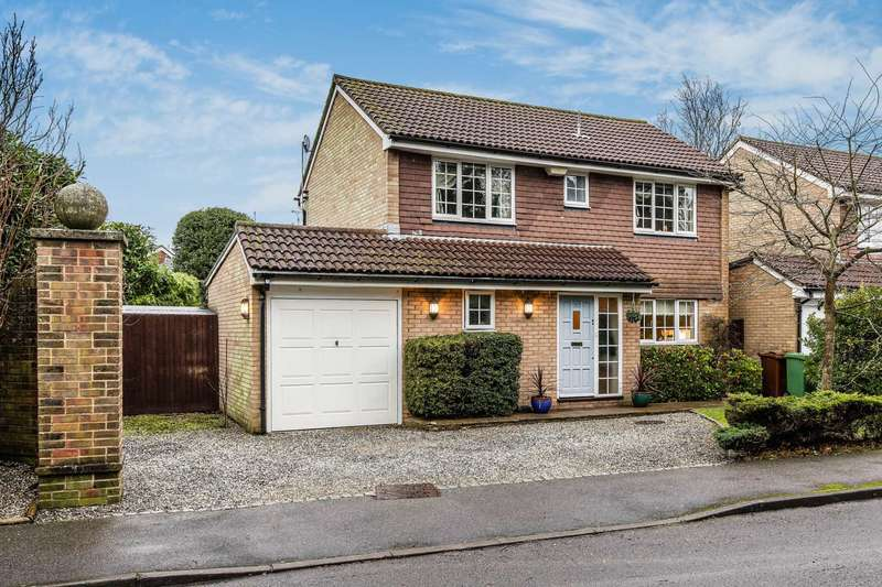 4 Bedrooms Detached House for sale in Park House Gardens, Southborough
