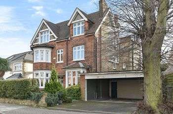 3 Bedrooms Flat for sale in Shawfield Park, Bickley, Bromley, Kent, BR1 2NG