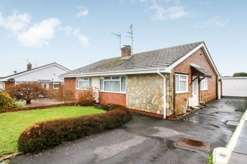 2 Bedrooms Semi Detached Bungalow for sale in Greenfields Way, Horsham