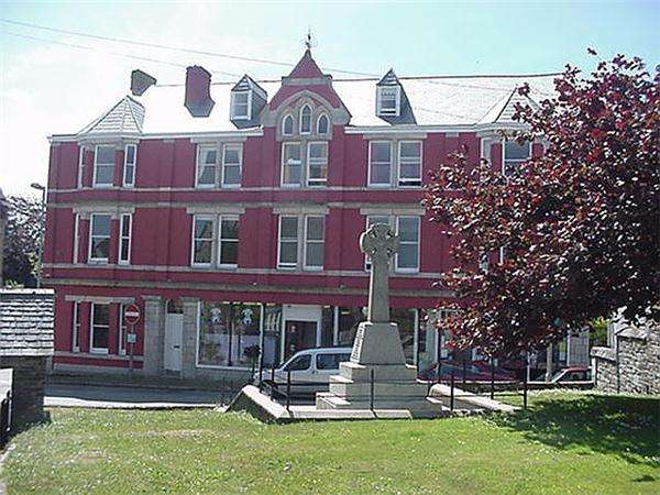 1 Bedroom Property for sale in Market Place, ST COLUMB
