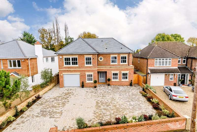 5 Bedrooms Detached House for sale in Englefield Green, Egham