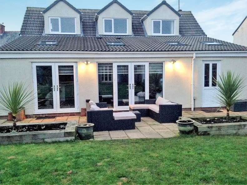 3 Bedrooms Bungalow for sale in Station Street, Haswell, Haswell, Durham, DH6 2AB