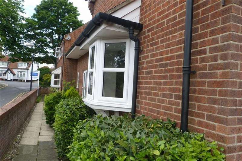 2 Bedrooms Town House for rent in North Ferriby