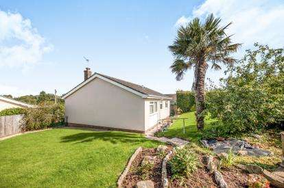 2 Bedrooms Bungalow for sale in Preston, Paignton, Devon