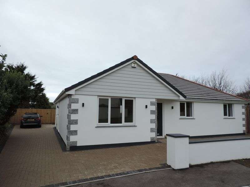 3 Bedrooms Property for sale in Tregenna Fields, Camborne