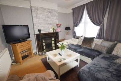 3 Bedrooms End Of Terrace House for rent in Robin Lane, Beighton, Sheffield, S20