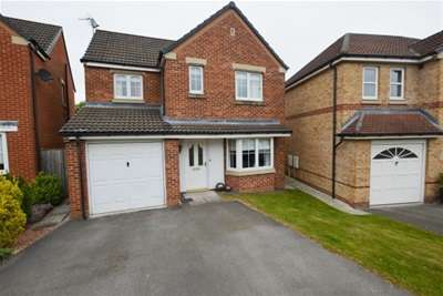 3 Bedrooms House for rent in James Walton Place, Halfway, Sheffield, S20
