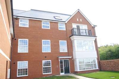2 Bedrooms Flat for rent in Levitt House, Wouldham