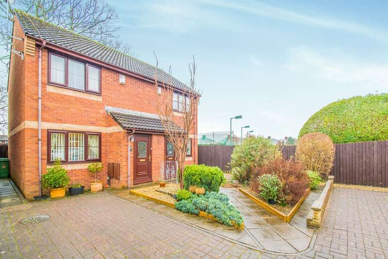 2 Bedrooms Semi Detached House for sale in Ashchurch Close, Cardiff
