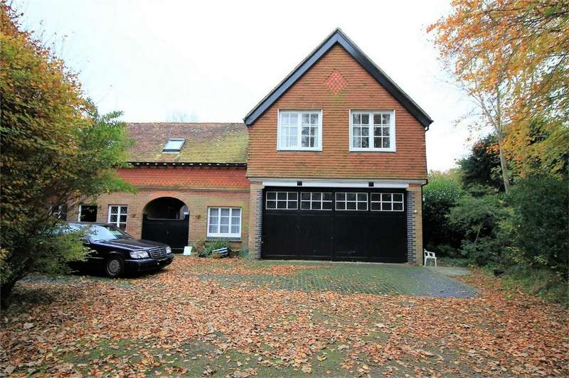 5 Bedrooms Detached House for sale in High Beech, Battle Road, ST LEONARDS-ON-SEA, East Sussex