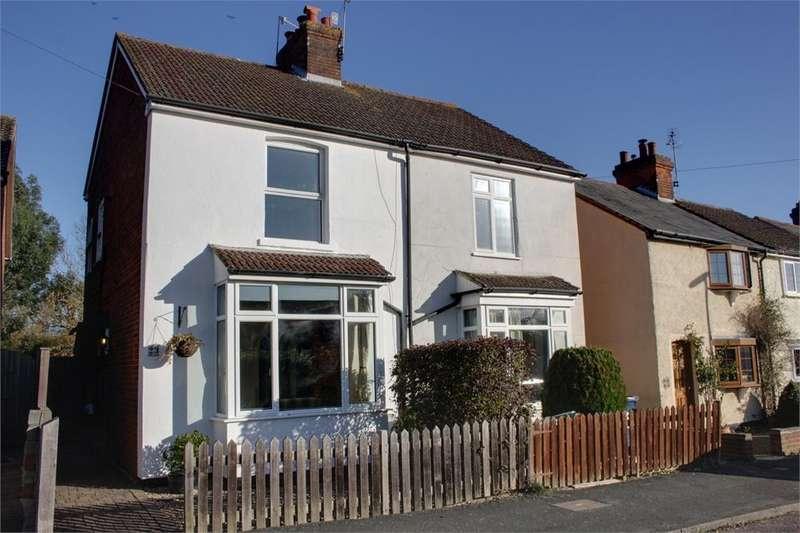 3 Bedrooms Semi Detached House for sale in Hale Reeds, Farnham, Surrey