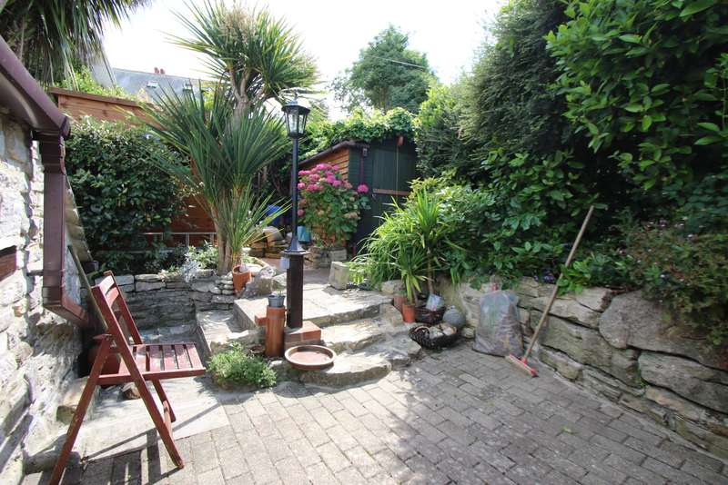 2 Bedrooms Semi Detached House for sale in BELL STREET, SWANAGE