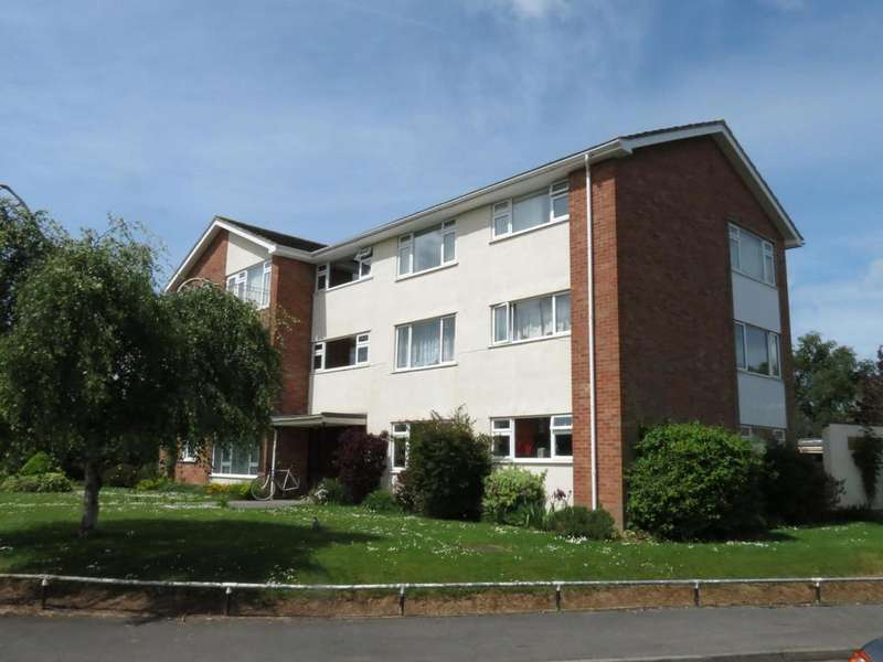 2 Bedrooms Apartment Flat for sale in Deane Drive, Taunton