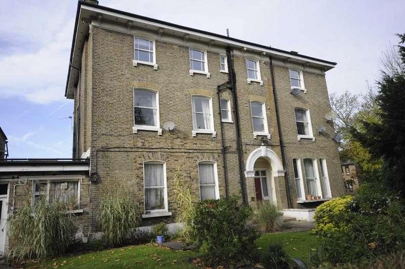 2 Bedrooms Flat for sale in Wickham Road,, Brockley