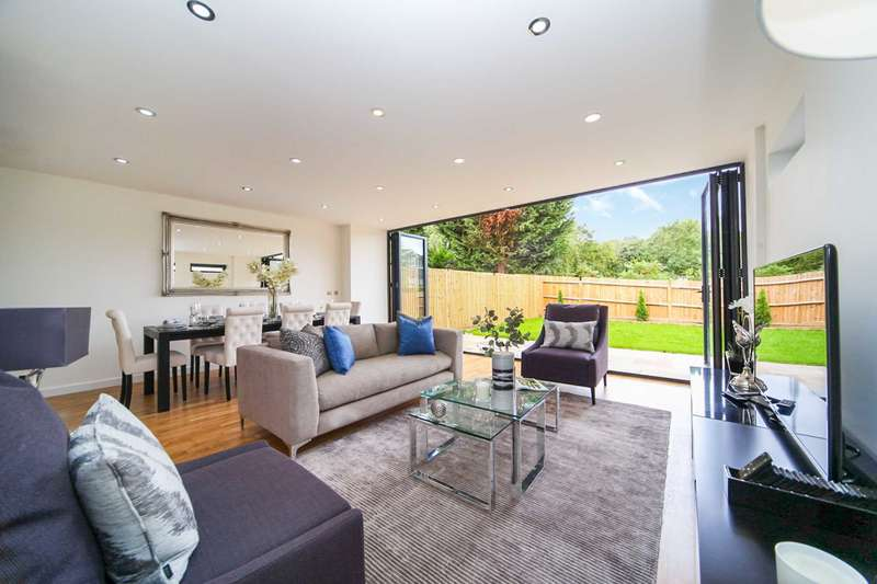 4 Bedrooms Semi Detached House for sale in High View Close, Crystal Palace