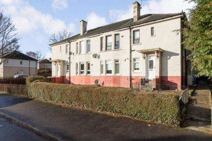 3 Bedrooms Flat for sale in Lochiel Road, Thornliebank, Glasgow, Lanarkshire