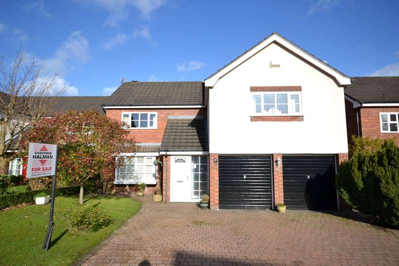 5 Bedrooms Detached House for sale in Roxburgh Close, Macclesfield