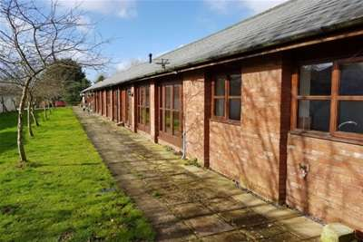 3 Bedrooms Barn Conversion Character Property for rent in Buckerell, Honiton