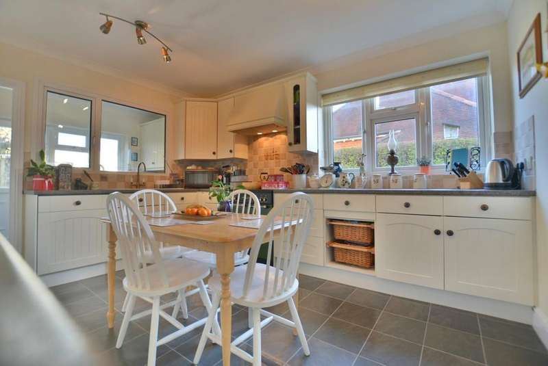 4 Bedrooms Detached House for sale in Cornelia Crescent, Poole