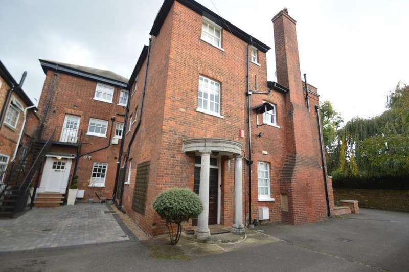 2 Bedrooms Apartment Flat for sale in The Lawn, Datchet, SL3