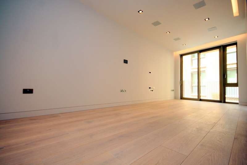 2 Bedrooms Property for sale in One Tower Bridge, Duchess Walk, SE1 2RY