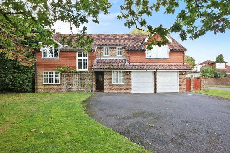 6 Bedrooms Property for sale in Barn Close, Woodmansterne Banstead, Surrey