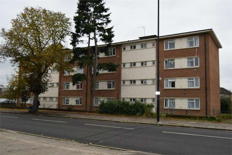 2 Bedrooms Flat for sale in Bath Road, Hounslow, Middlesex