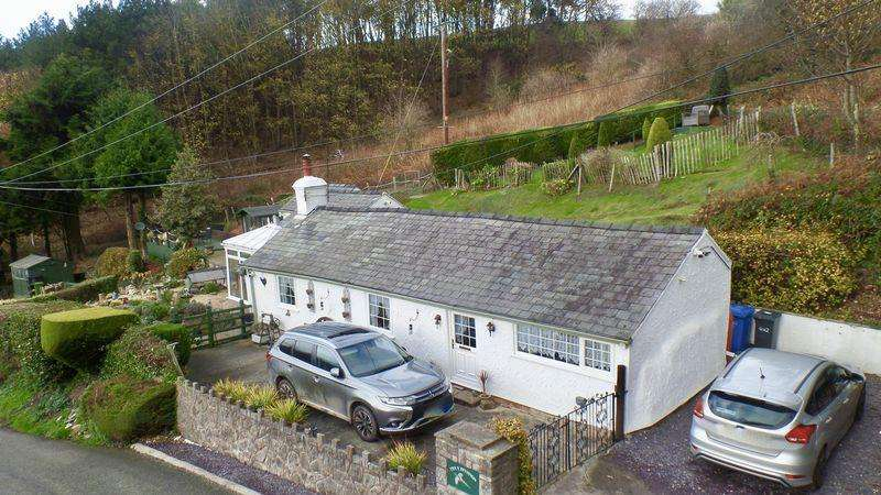 2 Bedrooms Cottage House for sale in Cottage, Cwm, Dyserth