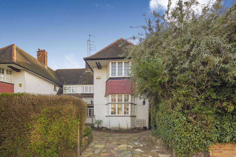 6 Bedrooms House for sale in West Heath Drive, Golders Hill Park