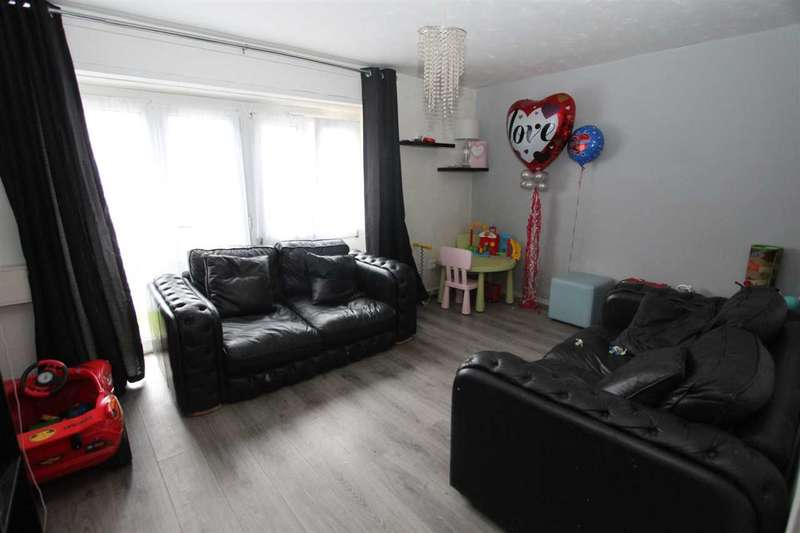 2 Bedrooms Apartment Flat for sale in Claremont Close, Docklands, Docklands E16