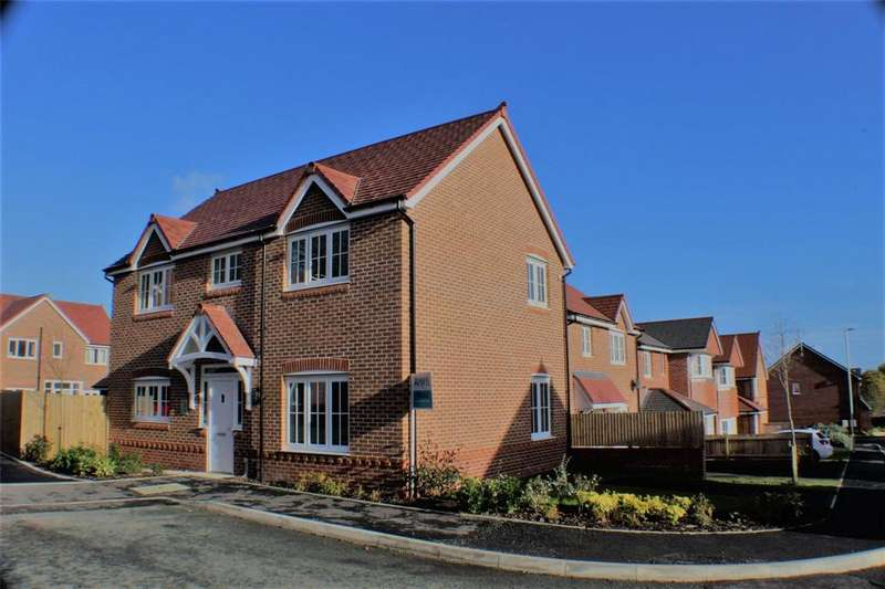 4 Bedrooms Detached House for sale in Cymau Lane, Caergwrle, Wrexham, LL12
