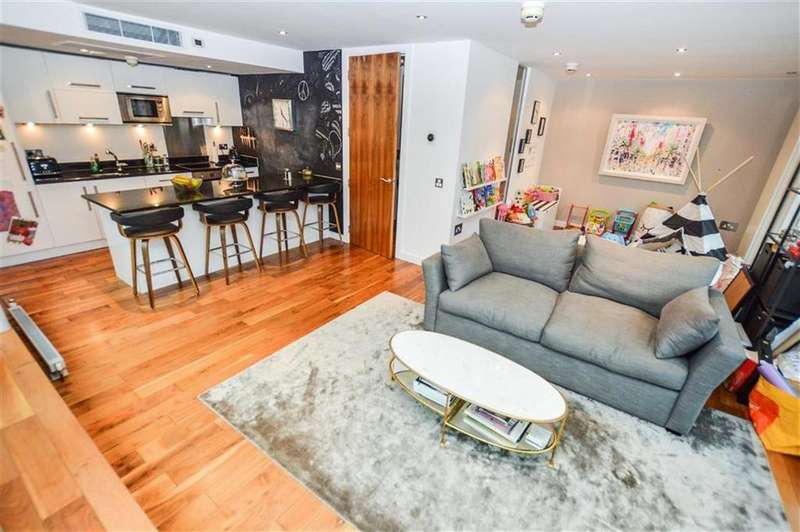 2 Bedrooms Duplex Flat for sale in The Edge, City Centre, Salford, M3