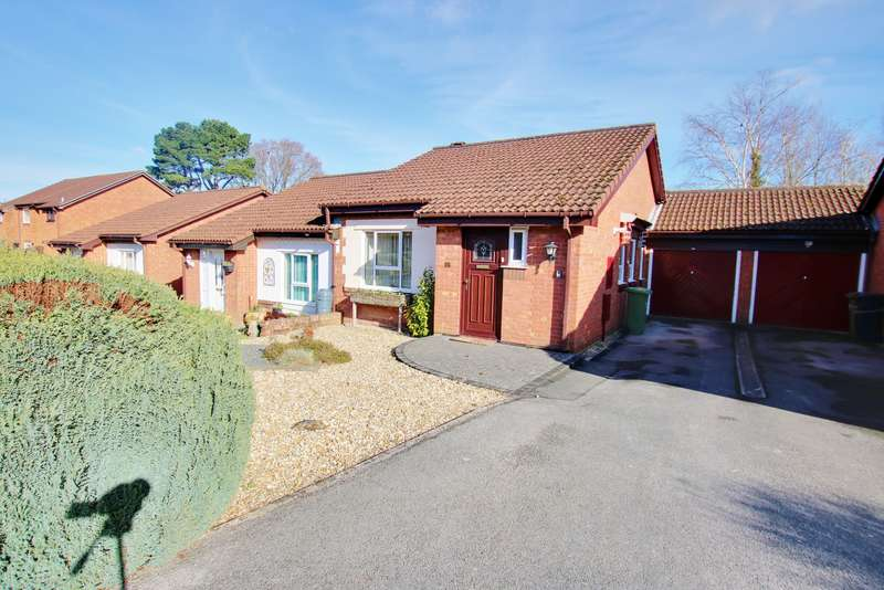 2 Bedrooms Semi Detached Bungalow for sale in NO CHAIN! POPULAR WEST END LOCATION! GARAGE! A MUST SEE!