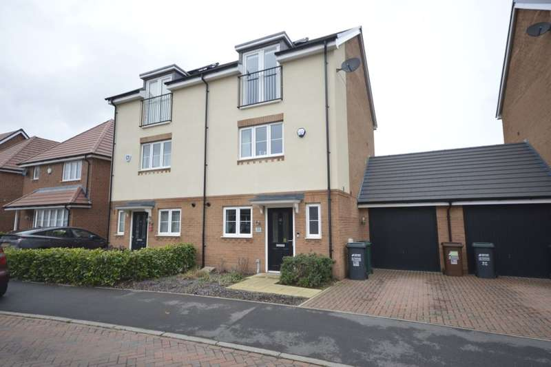 3 Bedrooms Property for sale in Bateson Drive, Leavesden, Watford, WD25