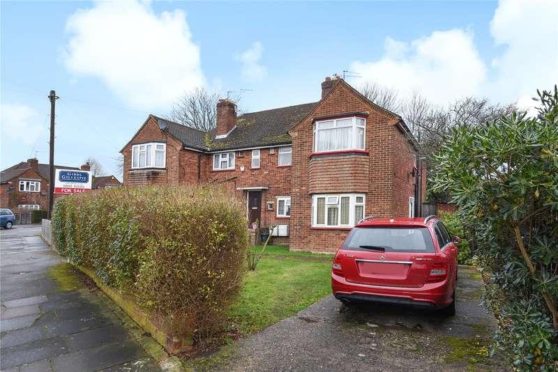 2 Bedrooms Maisonette Flat for sale in Trevor Crescent, Ruislip, Middlesex, HA4