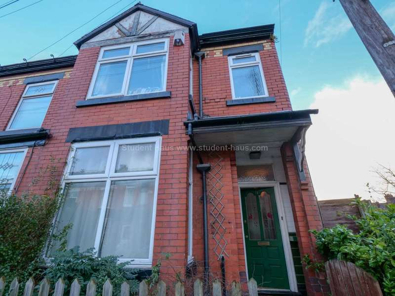 4 Bedrooms House for rent in Fortuna Grove, Manchester, M19 2BP