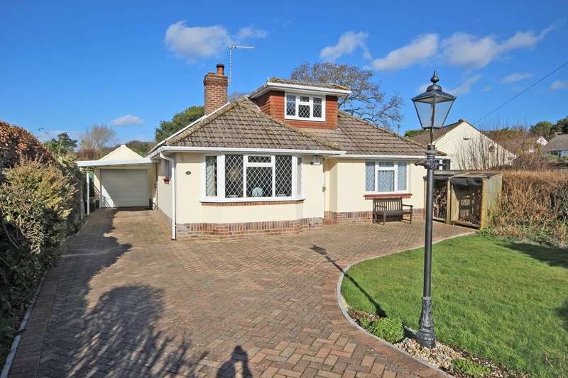 3 Bedrooms Chalet House for sale in Farm Lane South, Barton On Sea, New Milton