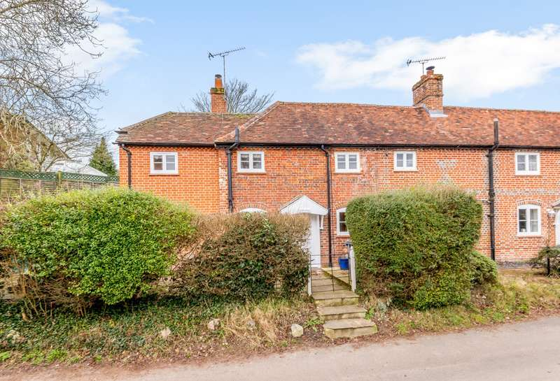2 Bedrooms Semi Detached House for sale in South Wanborough