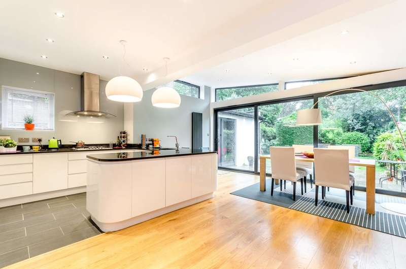 5 Bedrooms House for rent in Annesley Road, Blackheath, SE3