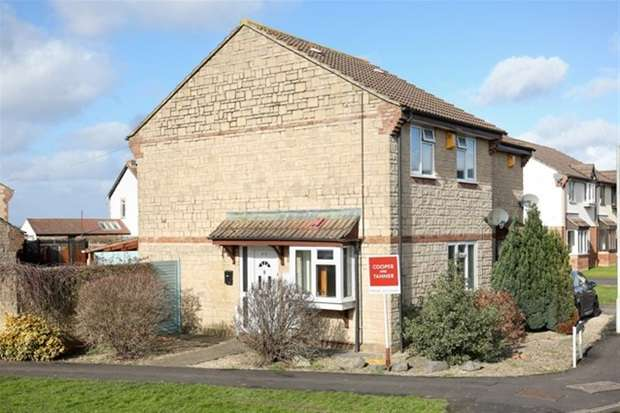 3 Bedrooms Semi Detached House for sale in Courts Barton