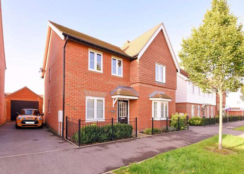 4 Bedrooms Detached House for sale in Pelling Way, Broadbridge Heath, Horsham, RH12